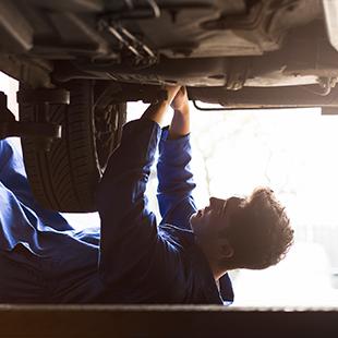 car_repairing.png